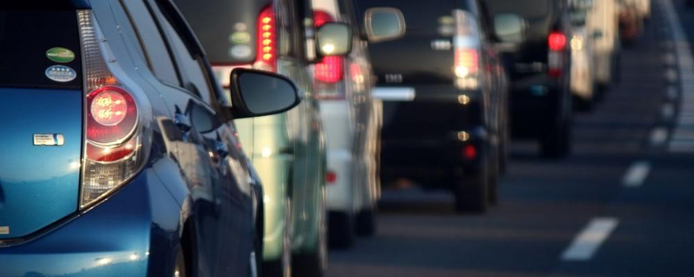 事故で渋滞中の首都高